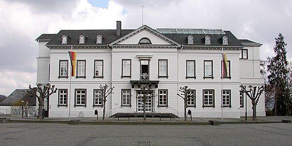 Amtliches im Rathaus Sinzig