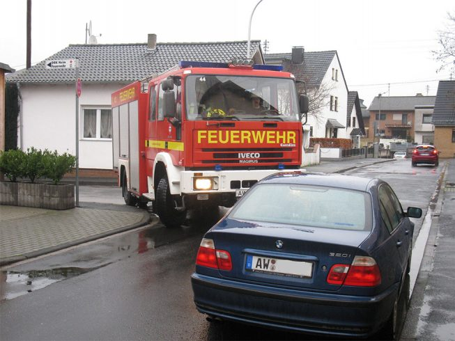 Falschparker behindern Einsatzkräfte der Feuerwehr