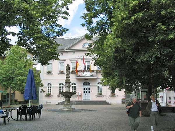 Amtliches im Rathaus Remagen