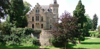 Denkmalverein besucht Martinskirche in Linz