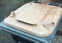 Feuchte Abfälle frieren in Tonnen fest