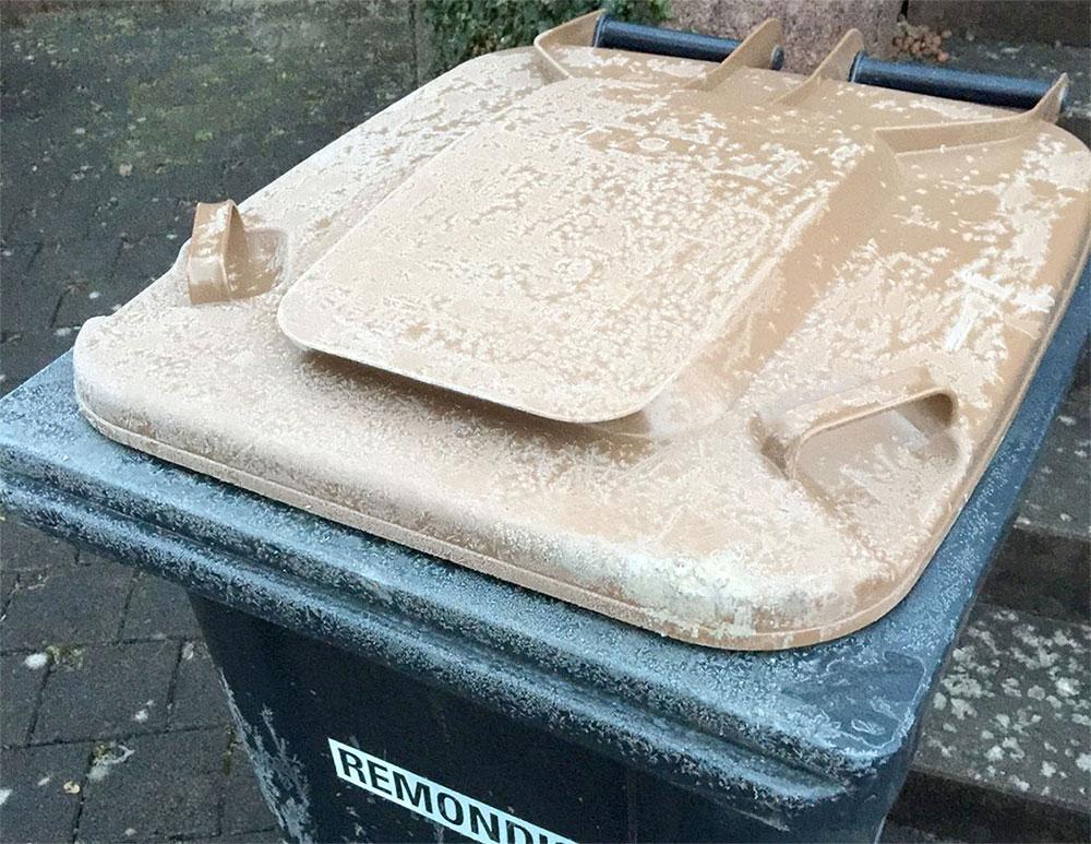 Küchenkrepp Biotonne ~ feuchte abfälle frieren in tonnen fest abfälle wieder in papier einwickeln