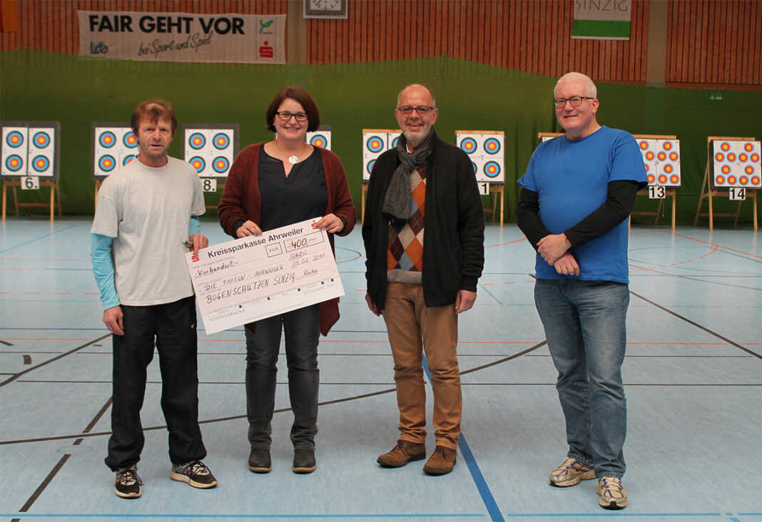 """Barbarossaturnier der Bogenschützen Rhein-Ahr Sinzig - 400 Euro für """"Ahrweiler Tafel"""""""