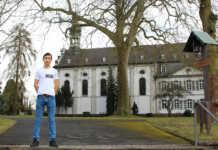 Afghanischer Flüchtling arbeitet ehrenamtlich im Franziskus Gymnasium Nonnenwerth