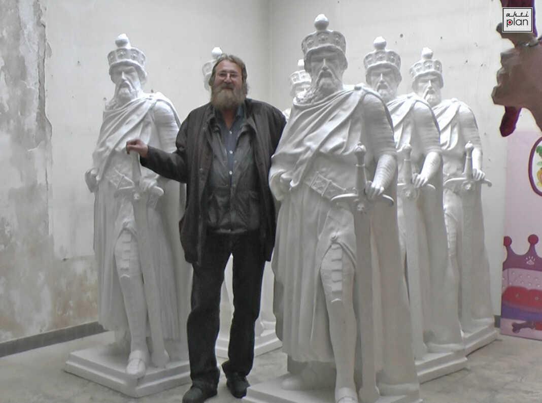 Barbarossastatuen werden angeliefert - der Film