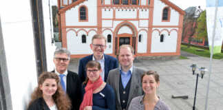 Schlosskonzerte Sinzig Bürgermeister Wolfgang Kroeger dankt Sponsoren