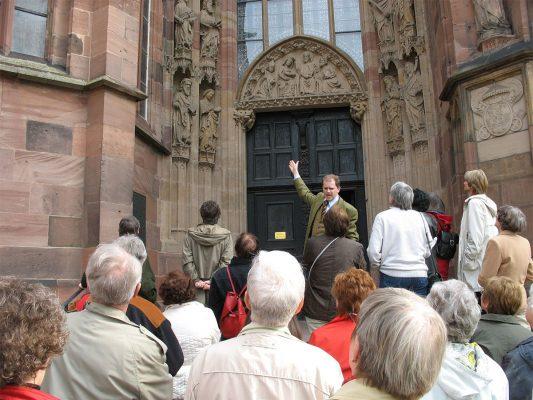 Mittelalterliche Stiftskirchen der Eifel - Exkursion der VHS @ Abfahrt am HoT  | Sinzig | Rheinland-Pfalz | Deutschland