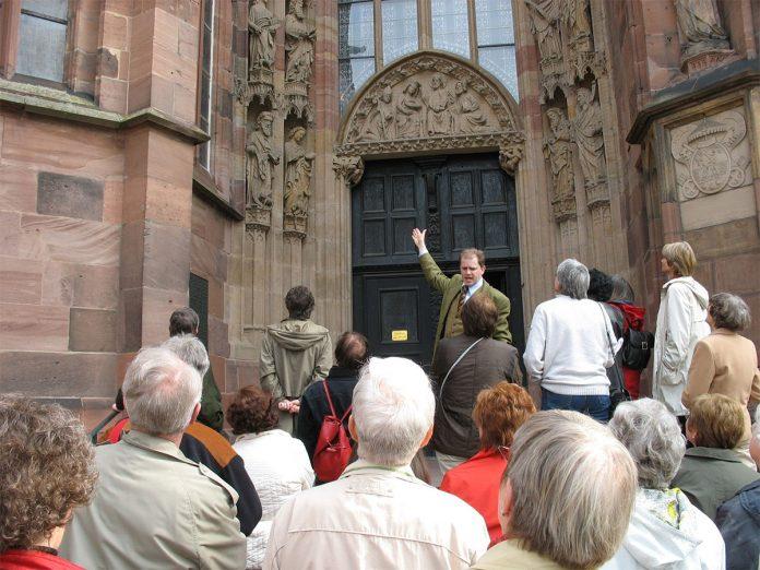 Exkursion zu mittelalterlichen Stiftskirchen der Eifel