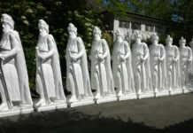 Die restlichen Barbarossastatuen sind unterwegs nach Sinzig