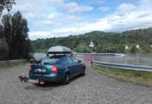 Bitte die Natorampe am Rhein frei halten