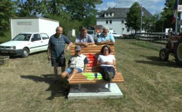 Rüstige Rentner Bank am Freiwegheim