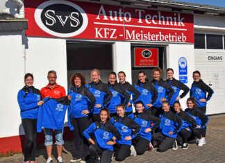SvS Auto Technik sponsert Trainingsjacken für BLUE VELVET
