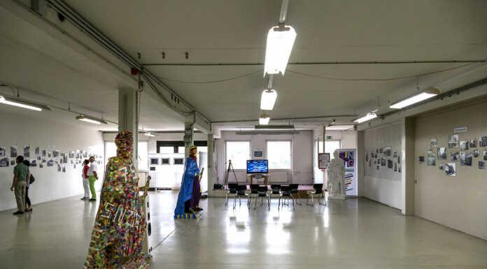 Gut 200 Besucher sahen die Ausstellung von Claudia Flück, Rheingymnasium und Achim Gottschalk