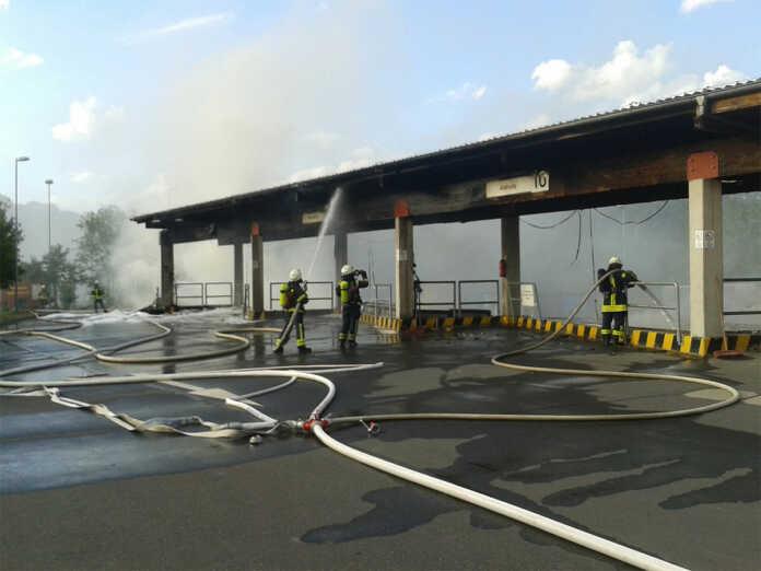 Sperrmüllbrand auf dem Abfallwirtschaftszentrum Niederzissen