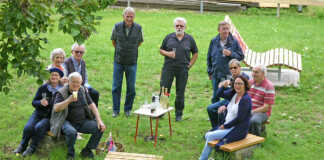 Bürgerforum und Rüstige Rentnererneuern Sitzgelegenheiten am Freiwegheim