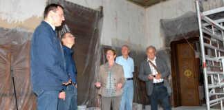 Drei Sinziger Bürgermeisterkandidaten im Schloss beim Denkmalverein