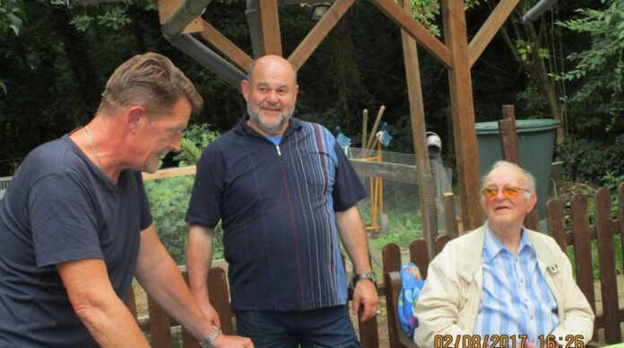 SPD-Senioren besuchen Tierheim in Remagen