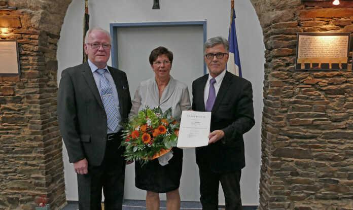 Hans Joachim Weiß feiert 50-jähriges Dienstjubiläum