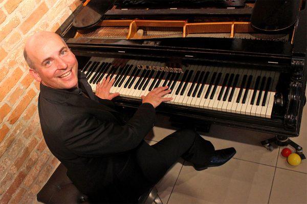 Holger Queck sing mit! belcanto & motown @ Gewölbe im Zehnthof