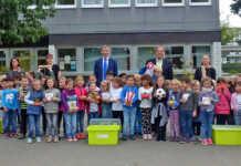 innogy überrascht Erstklässler in Bad Breisig zum Schulstart