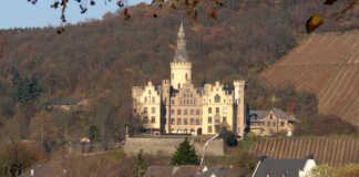 Sinziger Denkmalverein besucht Schloss Arenfels