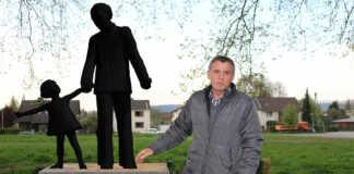 Gemälde-Auktion im Sinziger Rathaus - Erlös für die Bronze-Skulptur