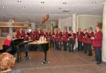 Männerchor Remagen tritt in der Seniorenresidenz Curanum auf