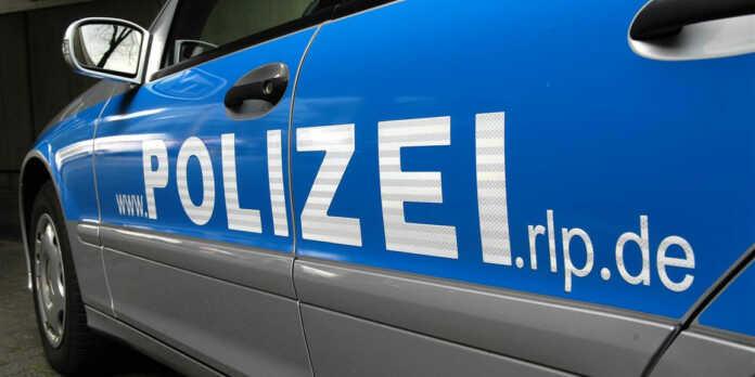 Verkehrsunfall unter Drogeneinwirkung nach Flucht vor der Polizei