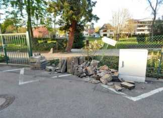 Verkehrsunfallflucht - Mauer des Kurgarten zerstört