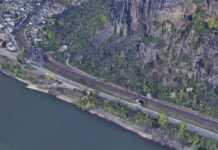 Vermuteter Fund einer Weltkriegsbombe im Bahndamm in Erpel