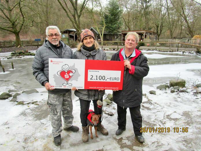 2.100 Euro für die Eichhörnchen gespendet