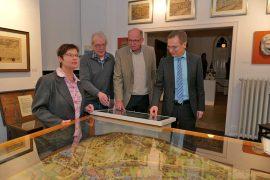 Agnes Menacher, Achim Gottschalk, Hardy Rehmann und Bürgermeister Andreas Geron