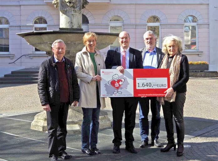 Großzügige Spende der Kreissparkasse Ahrweiler an Lebendiger Marktplatz