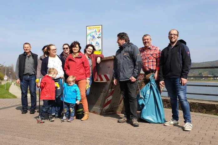 """SPD """"Dreck-Weg-Aktion"""" am Rheinufer Bad Breisig"""