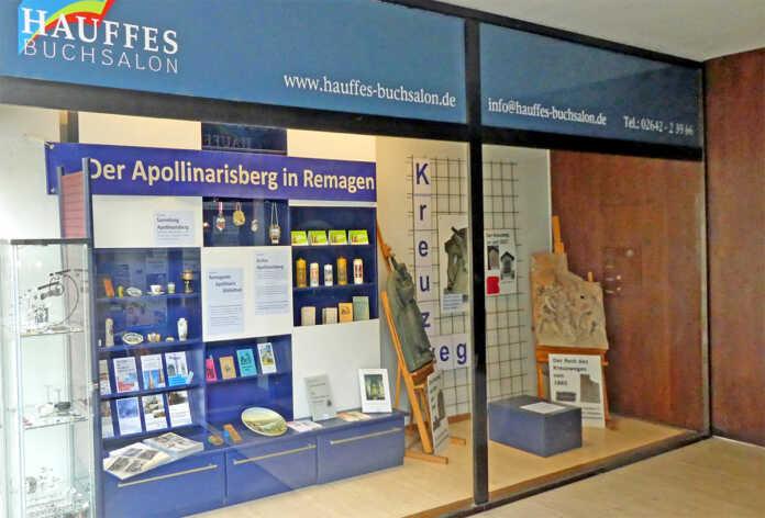 Der Apollinarisberg zu Gast im Schaufenster von Hauffes Buchsalon