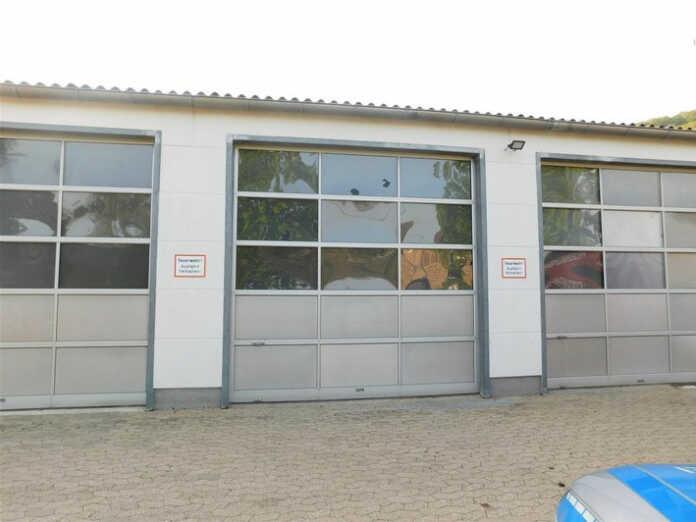Vandalismus am Feuerwehrgerätehaus in Niederzissen - Zeugen gesucht