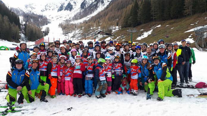 Winterfreuden bei der Osterskifreizeit 2019 für die ganze Familie in Südtirol!