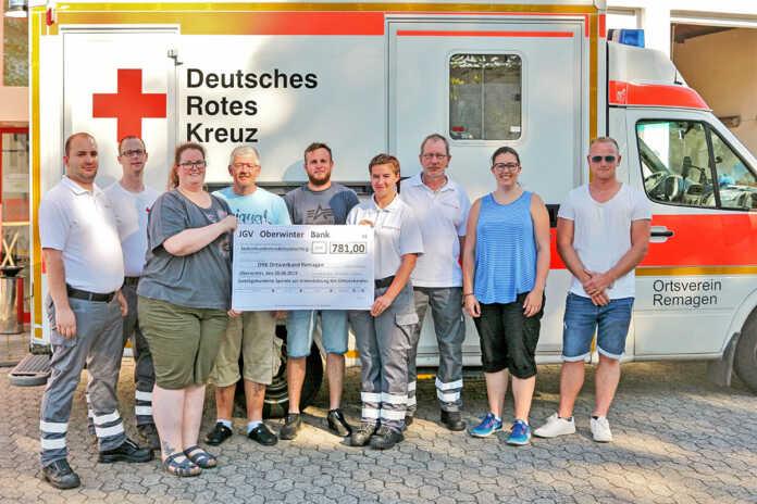 Junggesellenverein Oberwinter spendet diesjährigen Maibaumerlös an das DRK in Remagen
