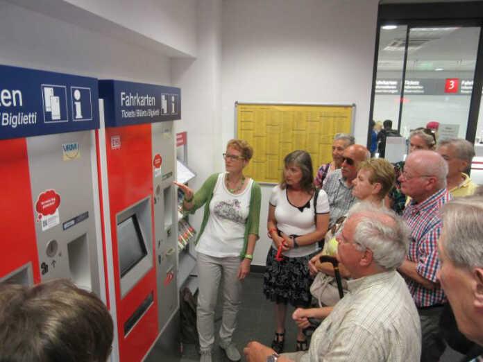 Ticket- und Automaten-Schulung für Sinziger Bürgerinnen und Bürger