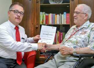 Matthias Vianden für 60-jährige DRK-Mitgliedschaft geehrt
