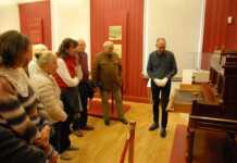 Den Möbelkünstlern Roentgen auf der Spur: Besuch in Neuwied