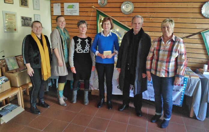 Kripper Bücherei (KÖB Kripp) beendet ein ereignisreiches Jahr mit einem Bilderbuchkino zum Weihnachtsmarkt in Kripp