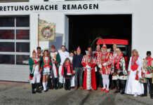 Närrischer Besuch in der Rettungswache Remagen
