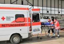 Rotkreuzler aus dem Ahrkreis verlegen Fördermitglied nach Urlaubsunfall in ein heimtnahes Krankenhaus