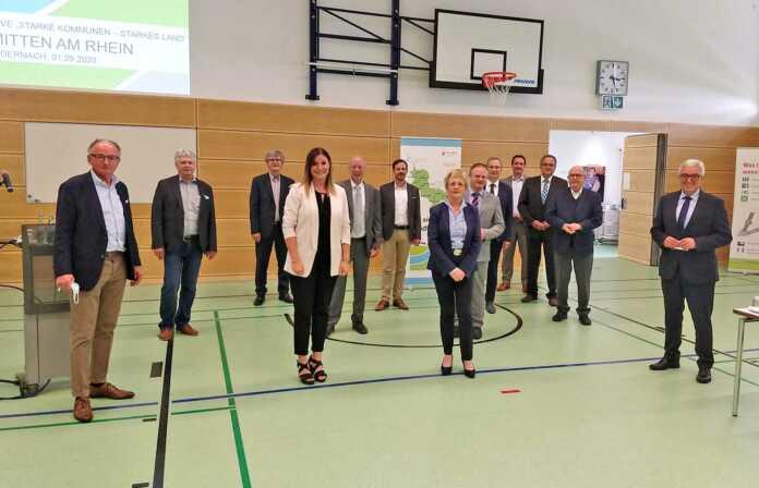 """Modellraum """"Mitten am Rhein"""" zieht Halbzeitresümee"""