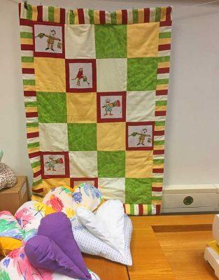 Neue Projekte, wie Kinder-Krabbeldecken oder Kissen für Seniorenheime