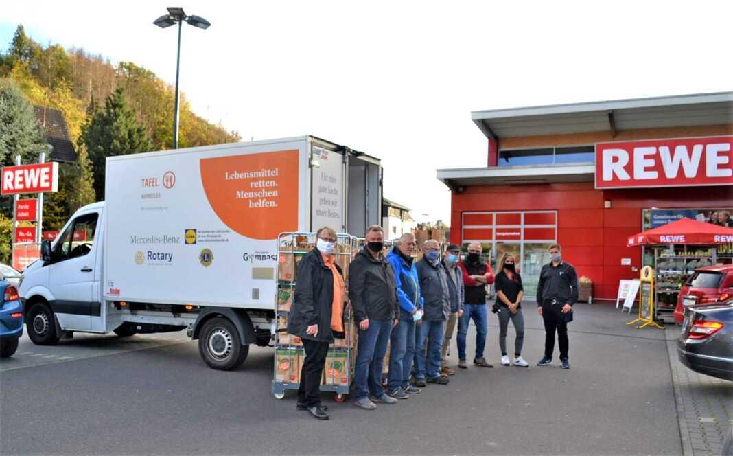 """Kunden vom REWE-Markt Azhari Sinzig unterstützen """"Tafel Ahrweiler"""""""