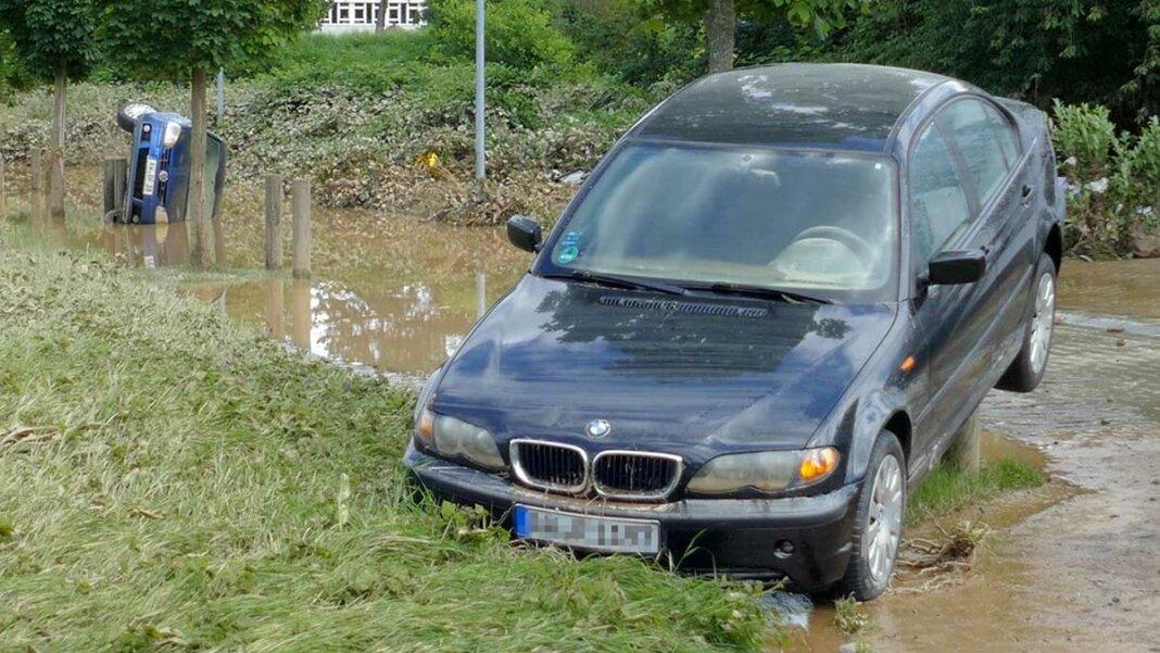 Hochwasser Autos
