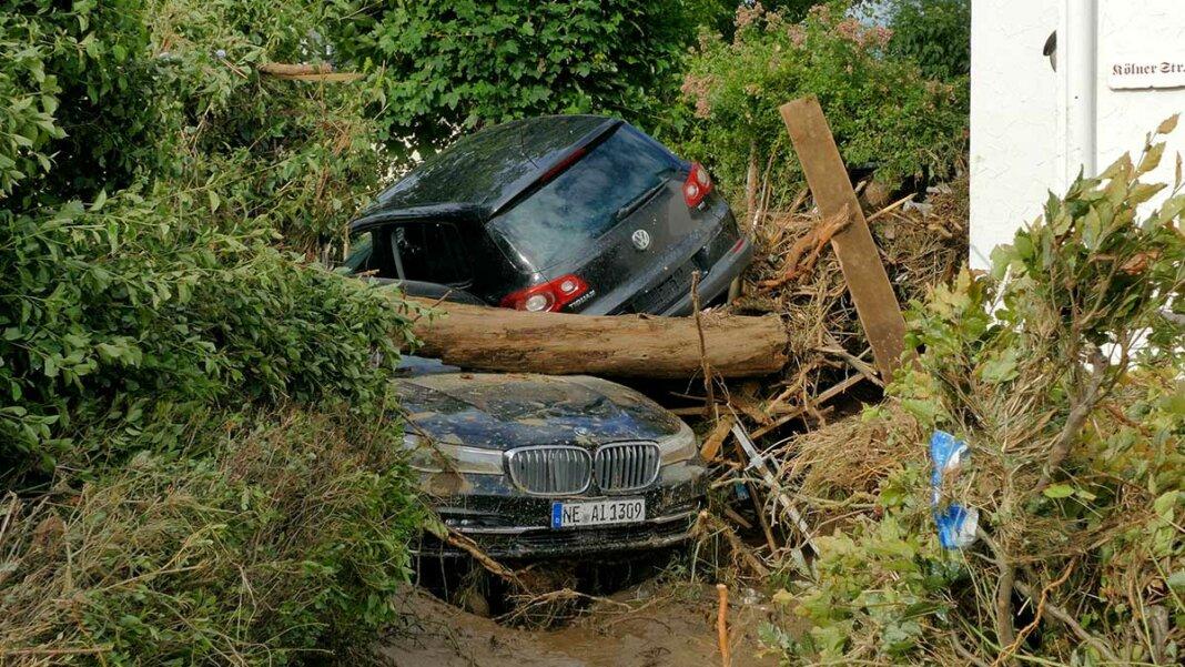 hochwasser-Autos