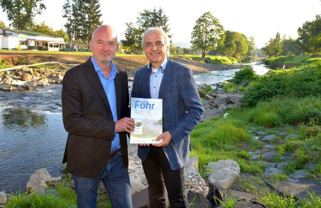 FTG-Geschäftsführer Jochen Gemeinhardt (l.) besuchte gemeinsam mit dem Ersten Beigeordneten Hans-Werner Adams das betroffene Gebiet an der Ahr.